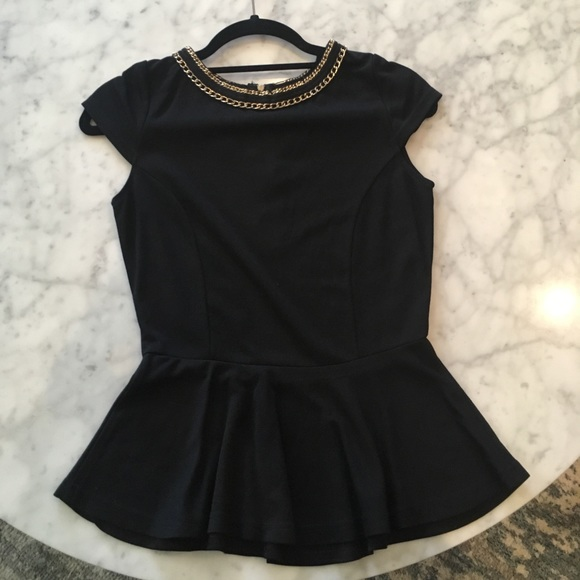 Tops - Black Flirty Top
